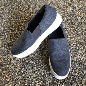 Vince Warren Flannel Platform Sneaker Size 8